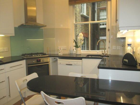 Contemporary kitchen/breakfast Room