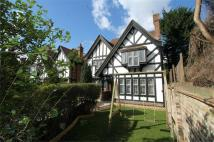 5 bedroom Detached property in Vale Close,  London