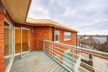 2 bed Flat to rent in Kingston Road, Wimbledon...
