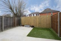 1 bed Flat to rent in Roslyn Close...
