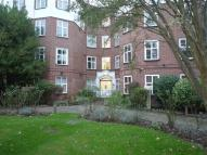 2 bed Flat in Kings Avenue...