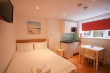 Flat to rent in Birkenhead Street London