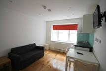 Flat in Birkenhead Street London