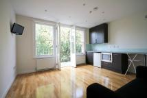 Flat in Kings Avenue London