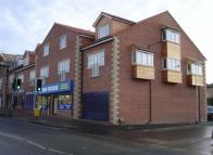 2 bed Flat in Hunters Court...
