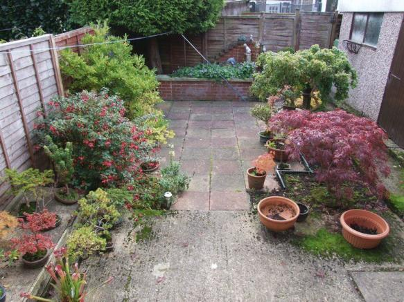 Enclosed gardens