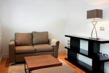 Studio flat to rent in Indescon Square Canary...
