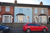 4 bedroom house in Olympic Let, BARKING...