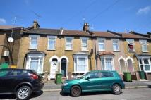 Flat to rent in Braemar Road, Plaistow...
