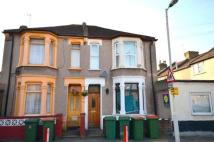 Flat to rent in Exning Road...
