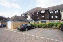 Flat in Cracknell Close, Enfield