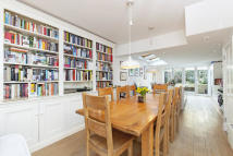 Cottage for sale in Oliphant Street, London...