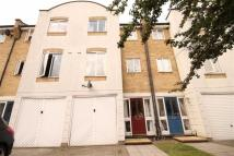 4 bedroom house to rent in Grimsby Grove...