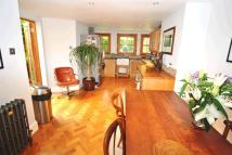 4 bed property to rent in Palace Road, Crouch End...