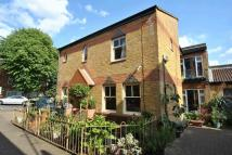2 bed property for sale in Highcroft Road, London...