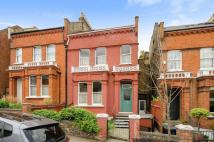 4 bed Detached property in Womersley Road, London...