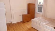 3 bedroom Ground Flat to rent in WEIR ROAD, London, SW12