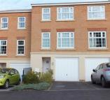 Town House for sale in Middlepeak Way...