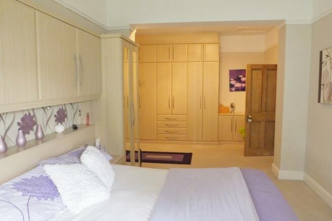 bedroom 1 dressing a
