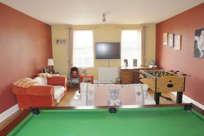 bedroom 2 / games ro
