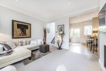3 bedroom Maisonette for sale in Fulham Road...