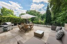 Flat for sale in Collingham Road...