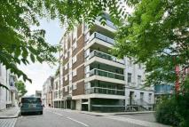 Flat to rent in Hyde Park Gate, London...