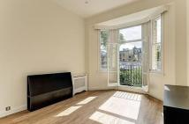 Flat to rent in Elm Park Gardens...