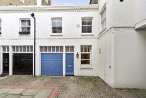 3 bedroom house to rent in Redfield Mews, London...
