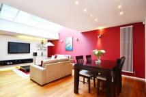 3 bed Flat in Peto Place...