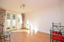 1 bed Flat to rent in Harewood Avenue...