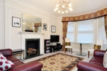 Flat to rent in Clarence Gate Gardens...