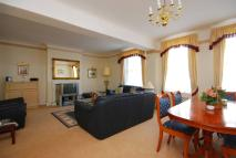 3 bed Flat in Portman Square...