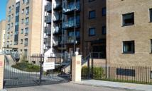 2 bedroom Flat in Waterside, Woking
