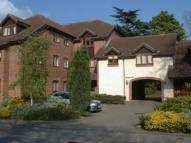 Flat to rent in Weybridge