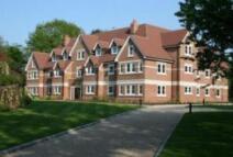 Flat in Esher, Surrey
