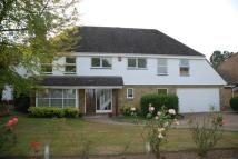 5 bedroom Detached home in Woodend Park, Cobham...