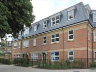 Flat to rent in Florence Way, London...