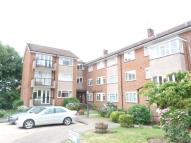 Ground Flat to rent in Albemarle Park, Stanmore...