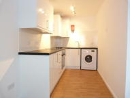 Studio flat to rent in Raven Close, Colindale...
