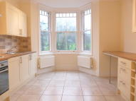 2 bed Duplex to rent in Hammers Lane...