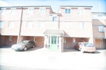 1 bed Ground Flat in Frensham Close, Southall...