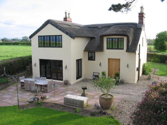 4 Bedroom Detached House For Sale In The Old Cottage
