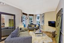 Flat to rent in Green Street, Mayfair...