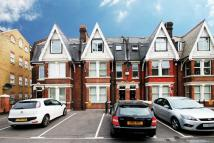Ground Flat to rent in New Road, Rochester