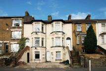 Flat in Luton Road, Chatham