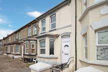 3 bedroom Terraced property to rent in Luton Road, Chatham
