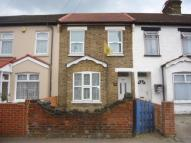 3 bedroom Terraced house to rent in Southall, Middlesex