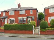 semi detached house to rent in Parksway, Manchester