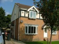 3 bed semi detached house to rent in Earlswood Mead, Pudsey...